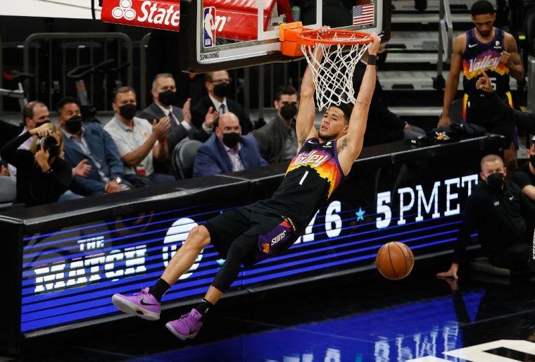 NBA》布克承认1周前确诊 太阳官宣他将缺席训练营初期
